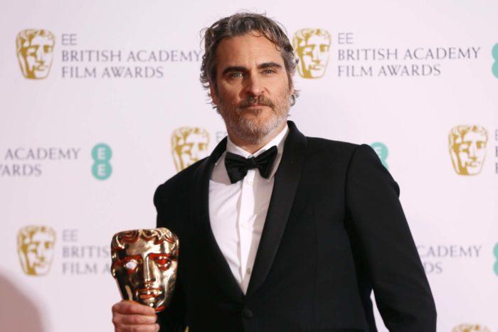 Фото Хоакина Феникса на награждении  премией BAFTA